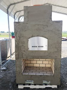 Outdoor kitchen inspiration - backyard brick oven