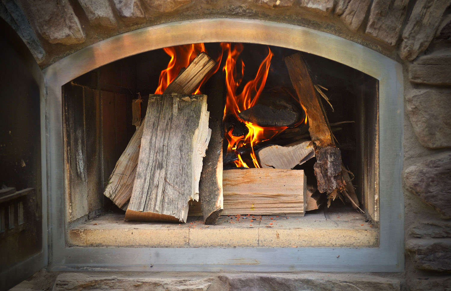 Controlling the Temperature in Your Brick Oven