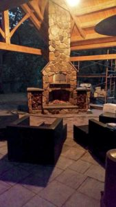 outdoor brick fireplaces - Outdoor kitchen inspiration