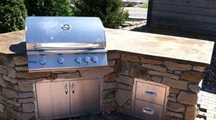 Outdoor Living Spaces - full outdoor kitchen near medina ohio